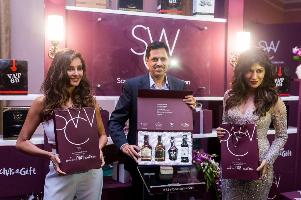 Shibani Dandekar, Chitrangda Singh & Mr. Sandeep Kumar unveil the United Spirits Scotch Whisky Collection