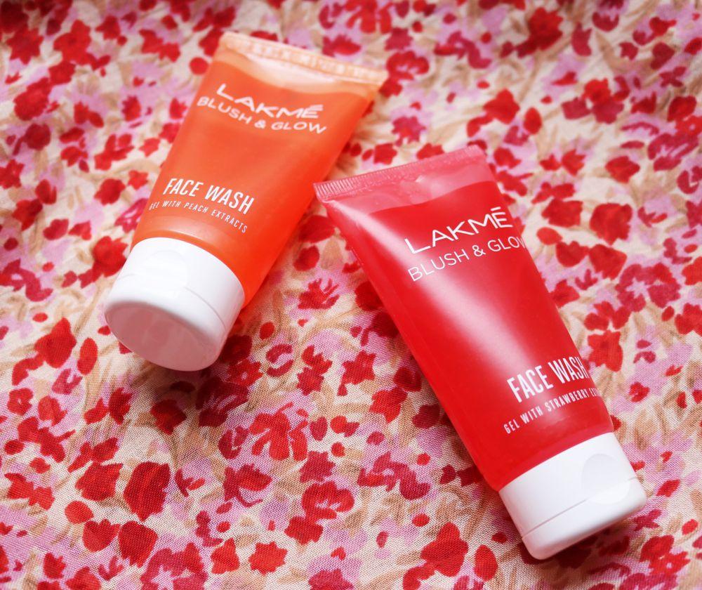 Lakme Blush & Glow Face Wash