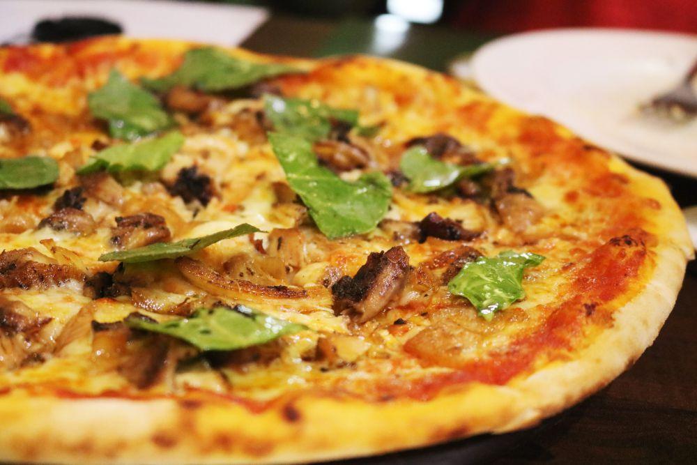 alla-bella-mozzarella-pizza