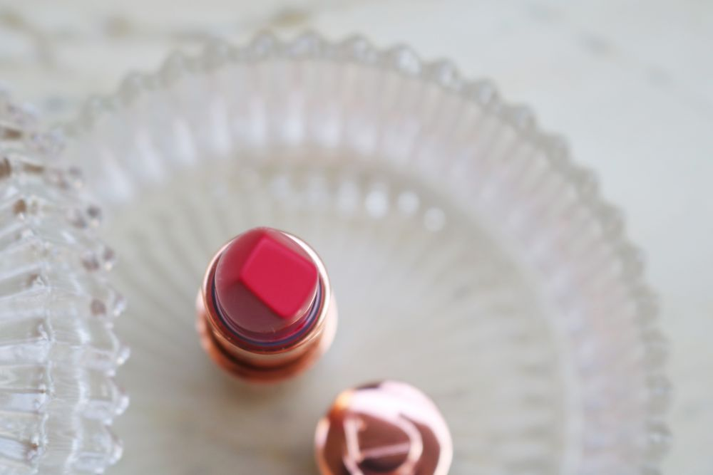 charlotte-tilbury-the-queen-matte-revolution-lipstick