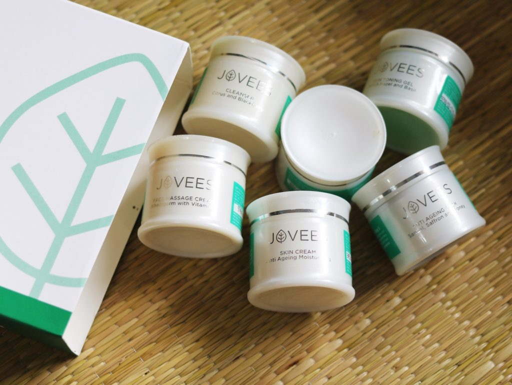 Jovees Anti-Ageing Facial Kit