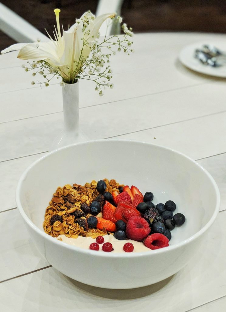 Doi, Berry and Kaos Granola Parfait